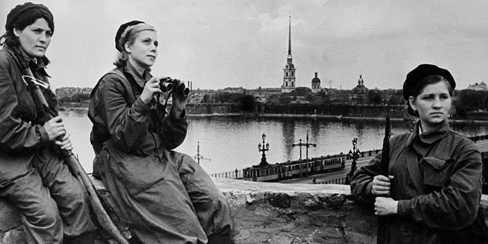 Den'-snjatija-blokady-Leningrada-4