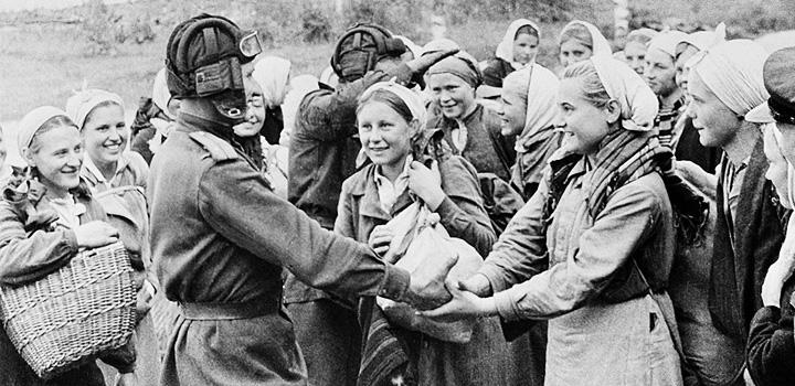 Soldaty-nasilujut-zhenschin-vraga-ТК-2