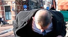 Европейские политики вышли на митинг в мини юбках