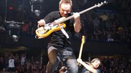 От рока к тишине: Pearl Jam продаст фанатам беруши на свои концерты
