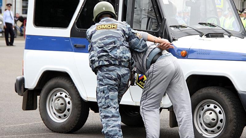 В Москве полицейский совершил грабеж. Кто он – вор в погонах?