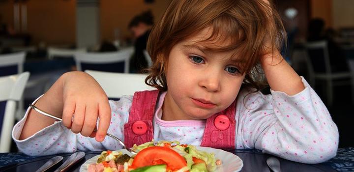 ребенок не ест фото